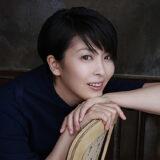 映画「アナと雪の女王」のエルサ役をはじめ、数々の作品で大成功をおさめている実力派の女優・松たか子