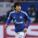 所属チームのドイツブンデスリーガ・シャルケで試合に出場する内田篤人