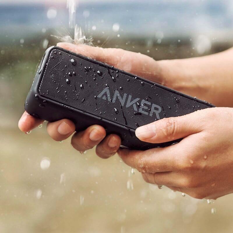 毛穴レスのうるおいたっぷりの綺麗な美肌になるために効果的な、お風呂でゆっくりと湯船につかるために音楽を聴くのに欠かせないポータブルスピーカー・Anker/アンカーのSoundCore 2/サウンドコア2