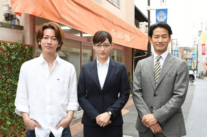 TBSドラマ「義母と娘のブルース」の綾瀬はるかと竹野内豊と佐藤健