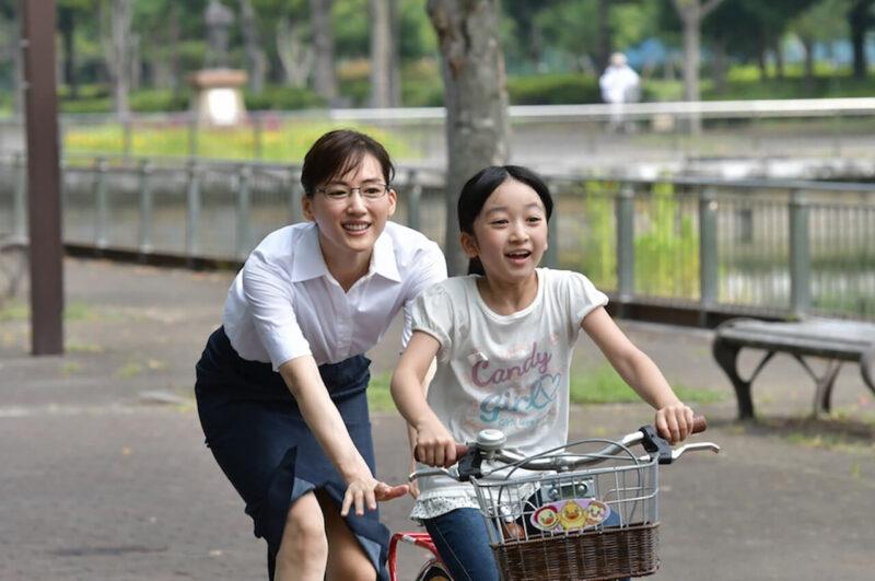 TBSドラマ「義母と娘のブルース」の綾瀬はるかと横溝菜帆