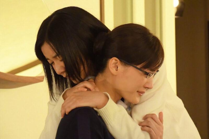TBSドラマ「義母と娘のブルース」の綾瀬はるかと上白石萌歌
