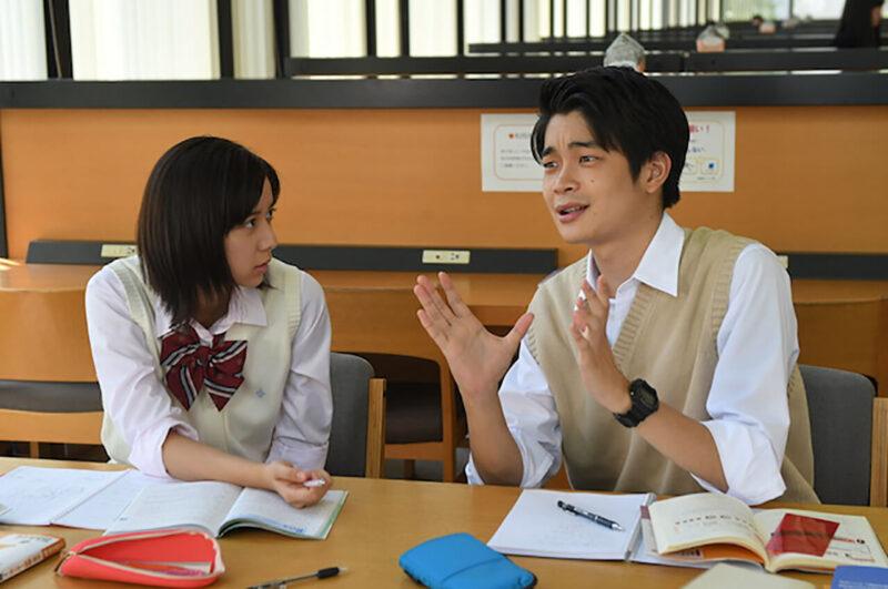 TBSドラマ「義母と娘のブルース」の上白石萌歌と井之脇海