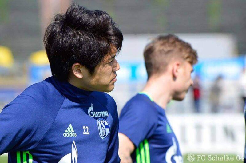 練習中のシャルケ・内田篤人