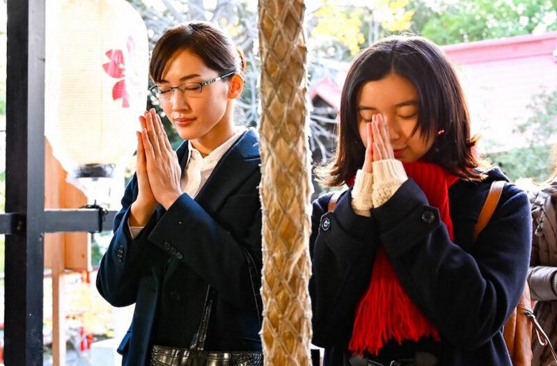 TBS系列「義母と娘のブルース」宮本亜希子役の綾瀬はるか・宮本みゆき役の上白石萌歌