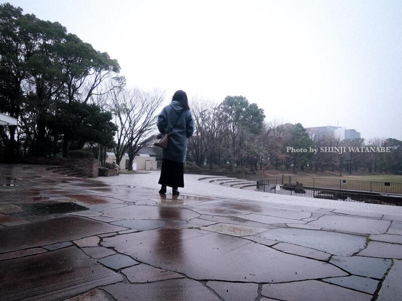 平和の森公園で撮影したライター/フォトグラファー田中佐江子のポートレイト