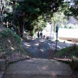 満開の紅梅白梅が楽しめる東京の梅名所、京王百草園に隣接する百草八幡神社(百草八幡宮)