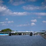清々しい新緑・芝生と白い砂浜・青い海が気持ちよく、5月の青空と花木が映える、都内初の海浜公園「大森ふるさとの浜辺公園」に隣接する見晴らしばし公園と見晴らし橋