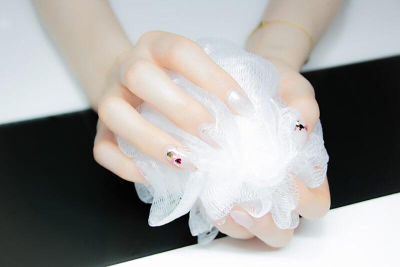 毛穴詰まり・毛穴開き・黒ずみ・角栓・たるみ毛穴・シミ・そばかす・くすみ・ハリ不足・シワ・乾燥を改善する、毛穴レスの美肌に効果的な洗顔方法に適した洗顔料を泡立てるために使用する洗顔ネット
