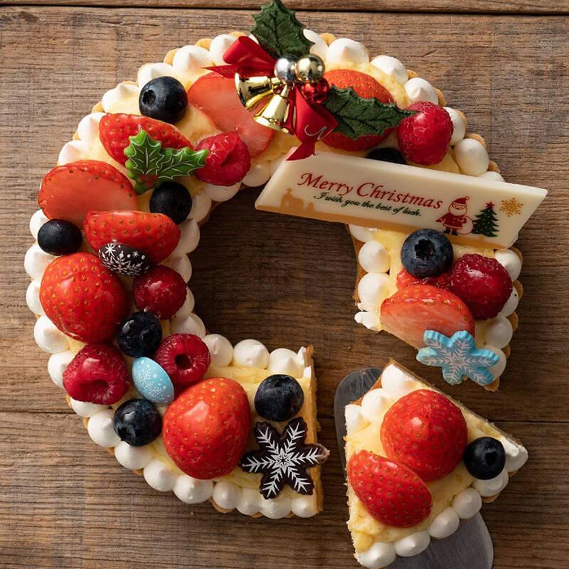 おうちクリスマスを楽しむために便利なAmazonで購入した、口コミ・レビュー人気が高い『西内花月堂』のおしゃれでお得で美味しいクリスマスケーキ『フェスティヴィティーリース』