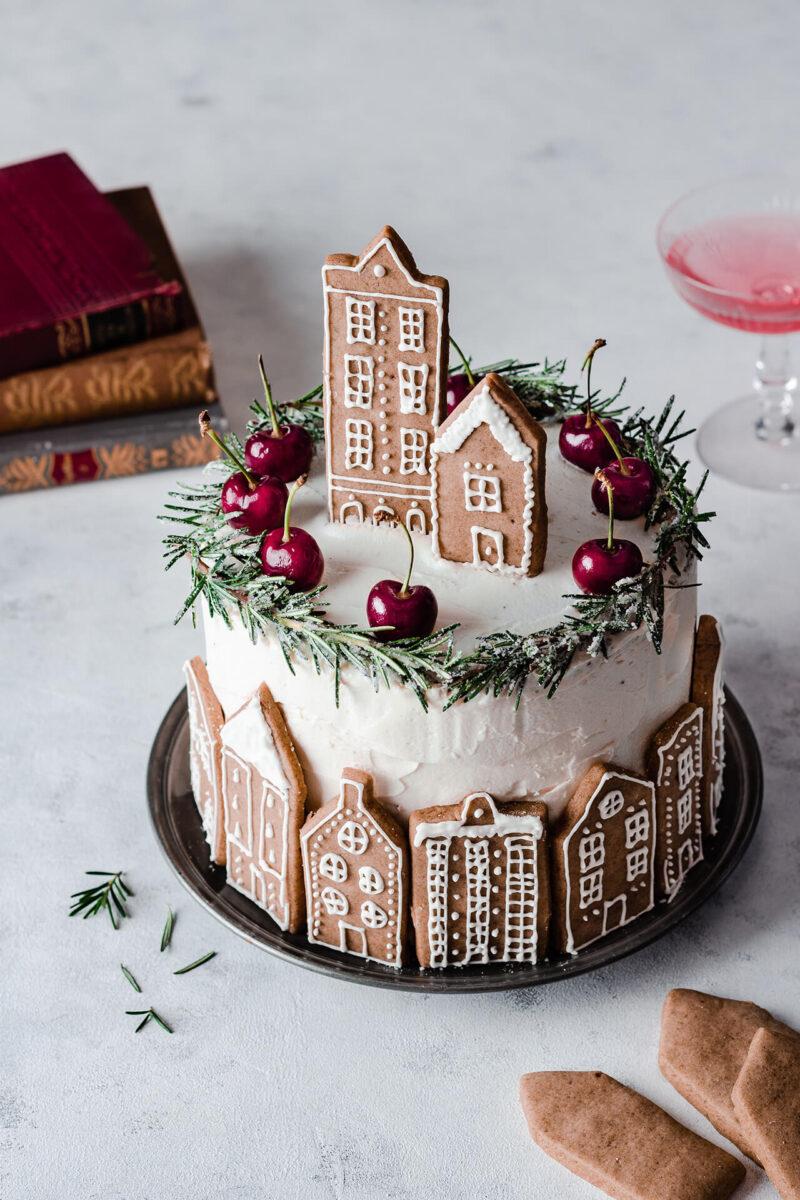 おうちクリスマスを楽しむために便利なAmazonで購入した、口コミ・レビュー人気が高い超有名店のおしゃれでお得で美味しいクリスマスケーキ