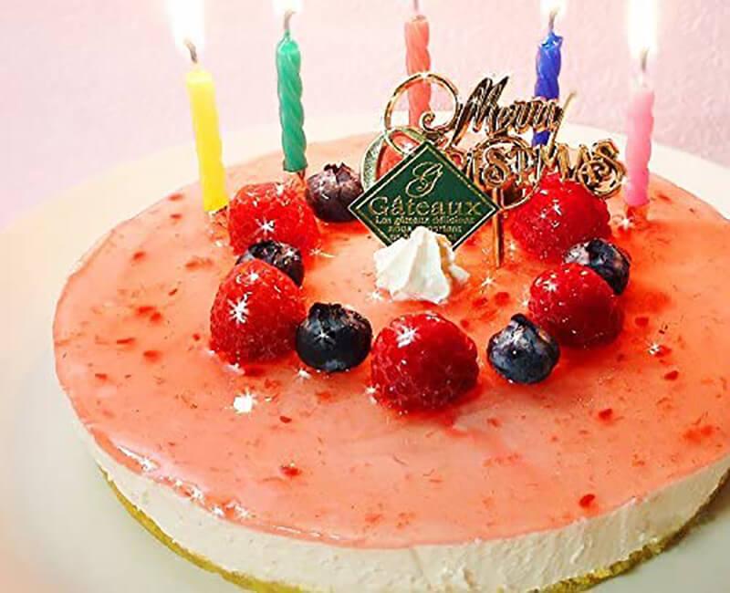 おうちクリスマスを楽しむために便利なAmazonで購入した、口コミ・レビュー人気が高い『エニシダ』のおしゃれでお得で美味しいクリスマスケーキ『糖質70%カット ラズベリーチーズケーキ』