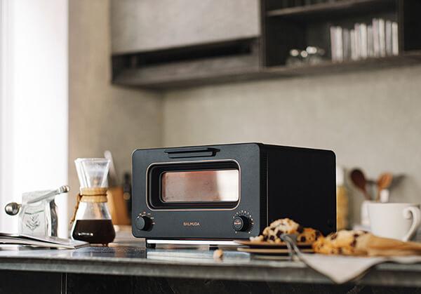 自分へのご褒美買いギフトとして女性におすすめの、おしゃれで上質で高級感のある自分へのご褒美ギフトのBALMUDA The Toaster