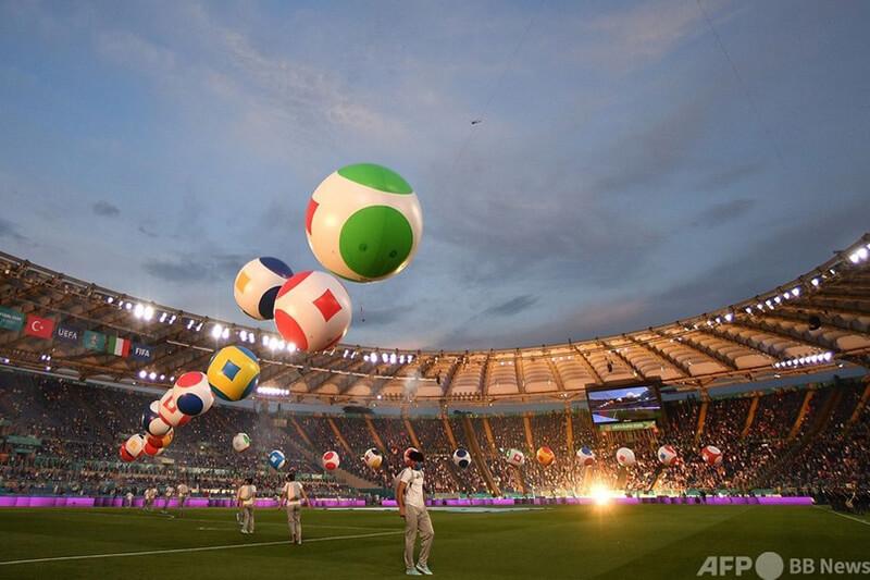 ユーロ2020 サッカー欧州選手権の開会セレモニーの様子