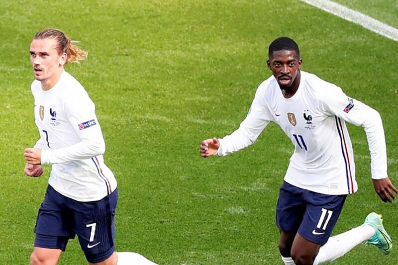 ユーロ2020試合中のフランス代表ウスマン・デンベレとアントワーヌ・グリーズマン